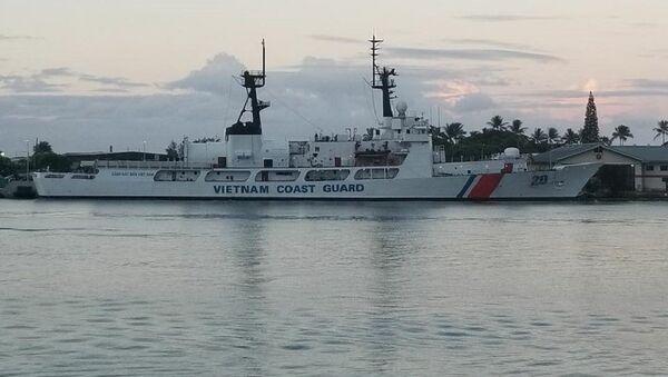 """Tàu CSB 8020 với """"màu áo"""" mới. - Sputnik Việt Nam"""