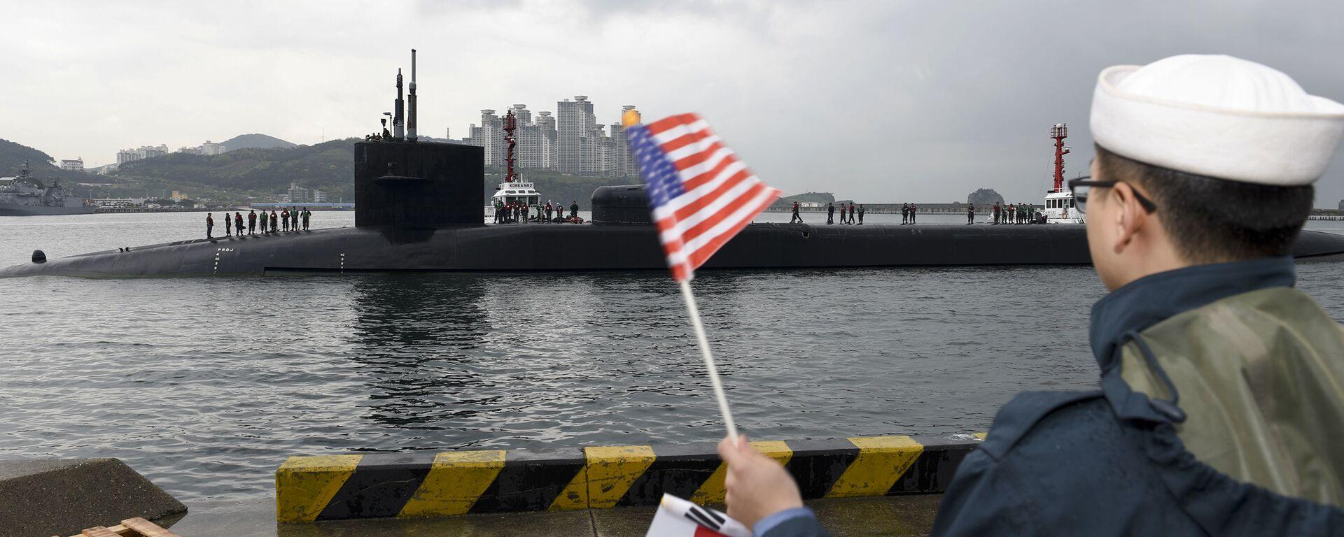 Tàu ngầm hạt nhân Michigan của Mỹ với tên lửa Tomahawk đã vào cảng Busan của Hàn Quốc.  - Sputnik Việt Nam, 1920, 08.10.2021