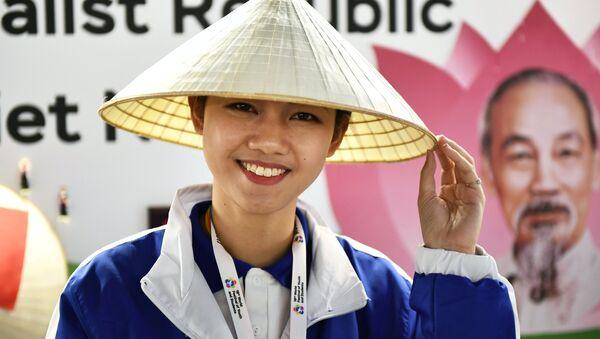 Nữ đại biểu Việt Nam tham gia Festival Thanh niên và Sinh viên thế giới lần thứ XIX tại Sochi. - Sputnik Việt Nam