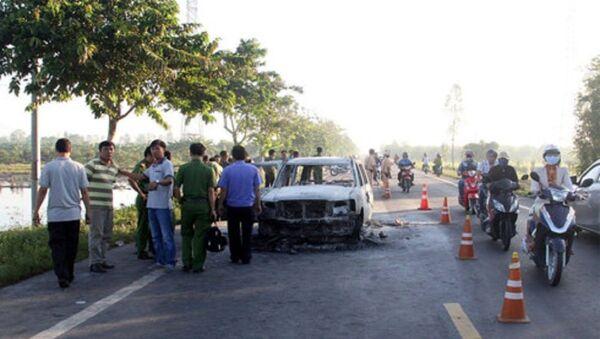 Hiện trường vụ đốt xe - Sputnik Việt Nam