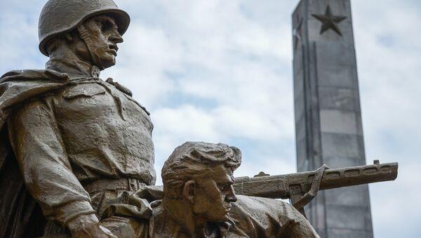 Кладбище-мавзолей советских воинов в Варшаве - Sputnik Việt Nam