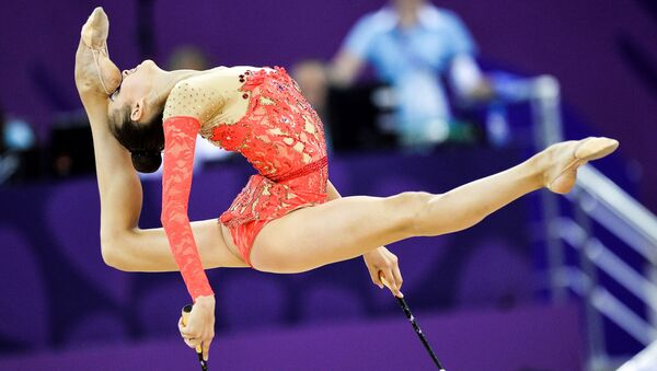 Eleonora Romanova trong môn thi thể dục nghệ thuật đơn nữ - Sputnik Việt Nam