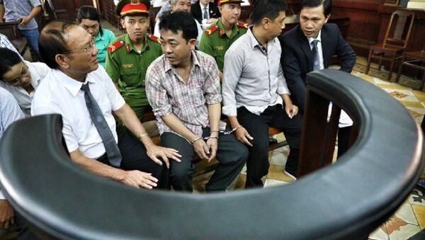 Nguyễn Minh Hùng và Nguyễn Mạnh Cường trước giờ xét xử - Sputnik Việt Nam