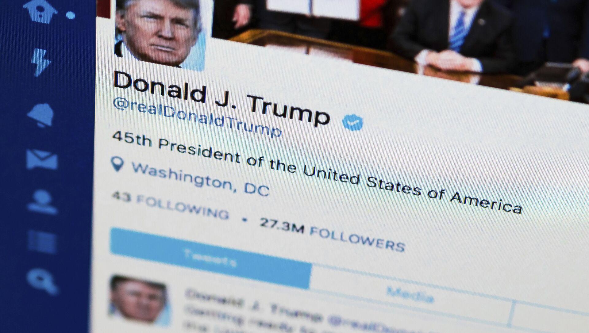 Trang Twitter của Trump - Sputnik Việt Nam, 1920, 02.10.2021
