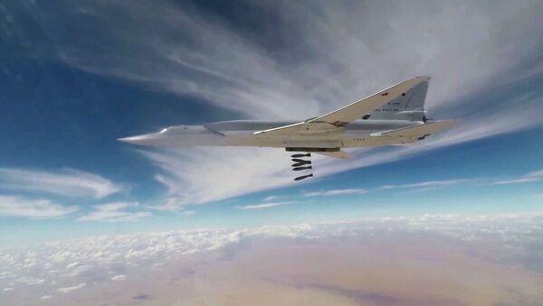 Máy bay ném bom giáng đòn tấn công IS* ở Syria - Sputnik Việt Nam