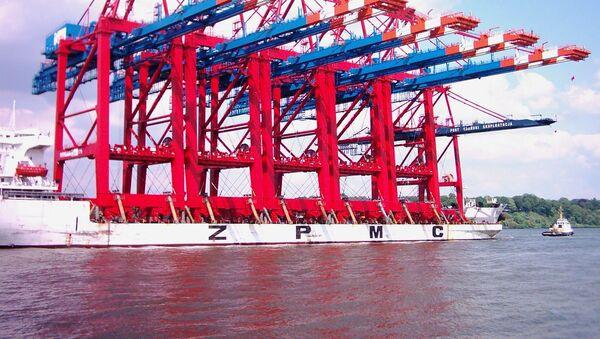 Судостроительные краны компании Shanghai Zhenhua Heavy Industries - Sputnik Việt Nam