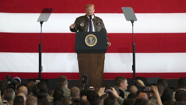 Trump vừa đến Nhật Bản liền ca ngợi lòng dũng cảm của lính Mỹ - Sputnik Việt Nam