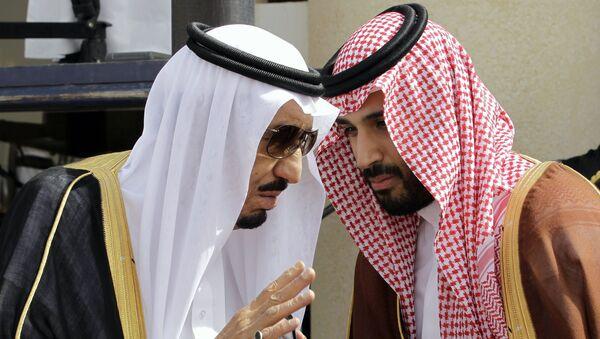 Quốc vương Saudi Arabia Salman bin Abdul Aziz với Thái tử Mohammed Ben Salman - Sputnik Việt Nam
