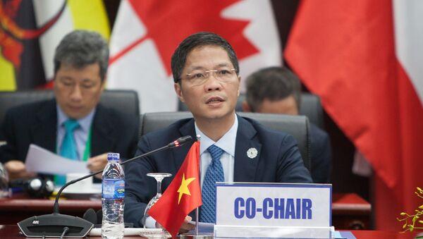 Bộ trưởng Công Thương Trần Tuấn Anh phát biểu tại hội nghị. - Sputnik Việt Nam
