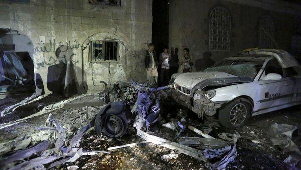 Tại địa điểm xảy ra vụ khủng bố ở thủ đô Yemen - Sputnik Việt Nam