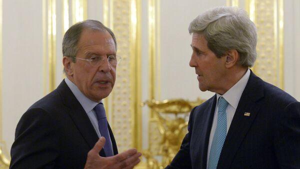 Bộ trưởng Ngoại giao Nga Sergei Lavrov và Ngoại trưởng  Hoa Kỳ John Kerry - Sputnik Việt Nam