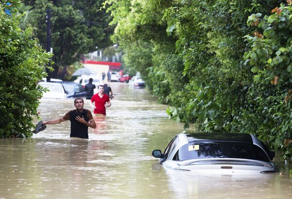 Phố ngập lụt do mưa lớn ở Sochi - Sputnik Việt Nam