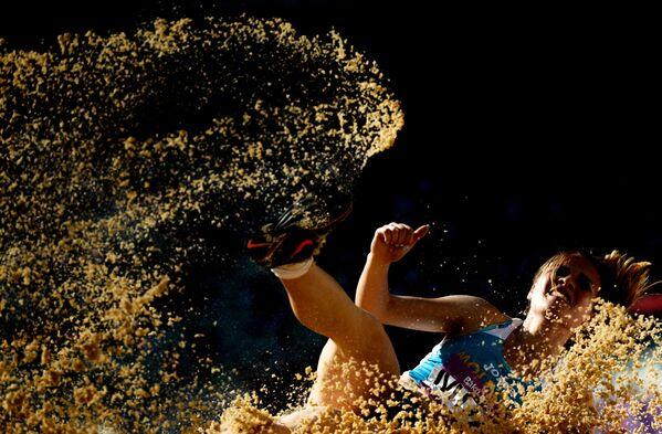Nữ vận động viên nhảy dài Nataliya Chipilenku tại Giải vô địch châu Âu lần I ở Baku - Sputnik Việt Nam