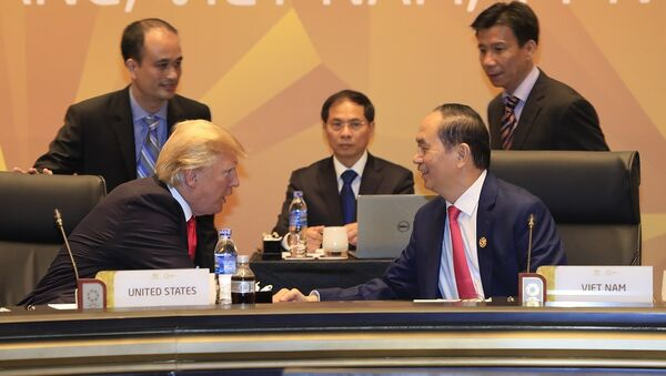 Chủ tịch nước Trần Đại Quang và Tổng thống Hoa Kỳ Donald Trump - Sputnik Việt Nam