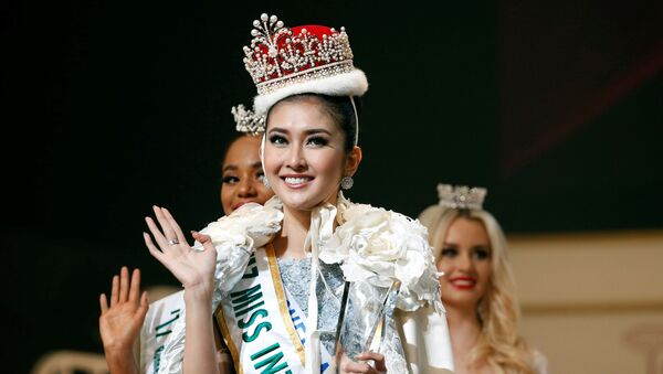 Hoa hậu cuộc thi Miss International 2017 tại Tokyo Kevin Lilliana, đại diện cho Indonesia - Sputnik Việt Nam