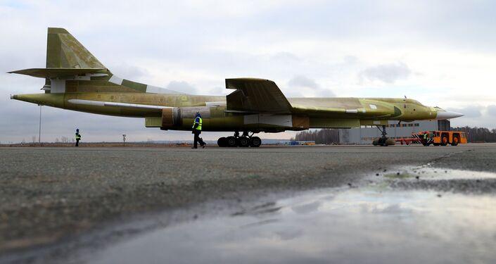 Máy bay ném bom chiến lược hiện đại Tu-160M2