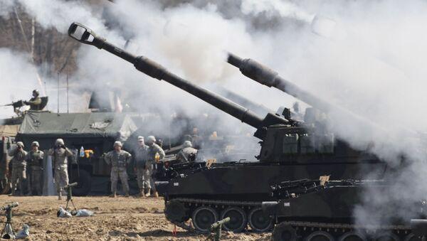 Самоходная артиллерийская установка M109A6 Paladin Армии США - Sputnik Việt Nam
