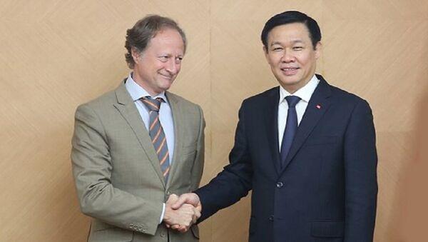 Phó Thủ tướng Vương Đình Huệ tiếp Đại sứ EU tại Việt Nam - Sputnik Việt Nam