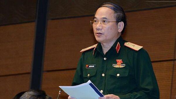 Thiếu tướng Nguyễn Văn Khánh phát biểu trên Hội trường tại Kỳ họp thứ 4, Quốc hội khoá XIV - Sputnik Việt Nam