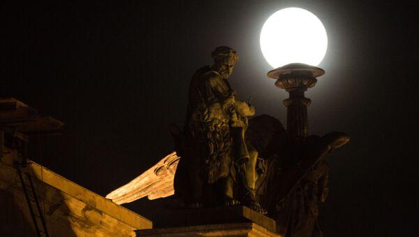 Siêu mặt trăng ở Saint Petersburg - Sputnik Việt Nam