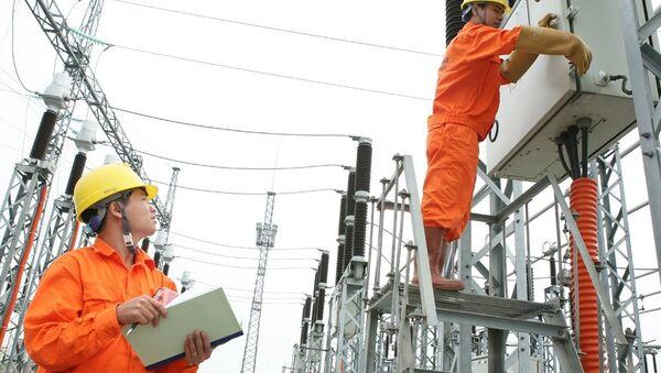 EVN cho biết lãi 2.600 tỷ đồng trong năm 2016 nhưng vẫn lỗ ở lĩnh vực sản xuất và kinh doanh điện. - Sputnik Việt Nam
