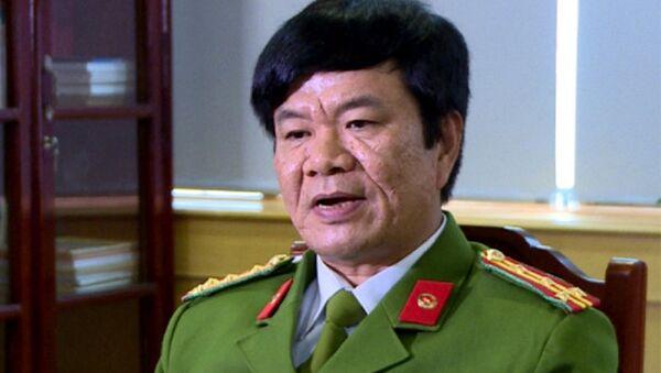 Đại tá  Khương Duy Oanh, Phó giám đốc Công an tỉnh Thanh Hóa tham gia điều tra vụ bé 20 ngày bị bà nội giết - Sputnik Việt Nam