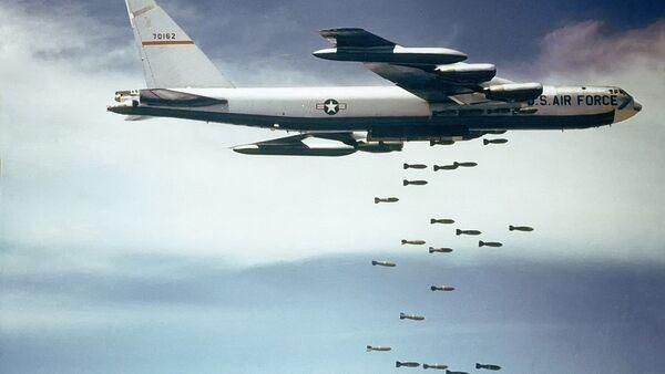Mỹ ném bom Việt Nam (lưu trữ) - Sputnik Việt Nam