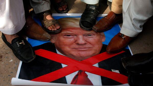 Biểu tình chống lại Donald Trump - Sputnik Việt Nam