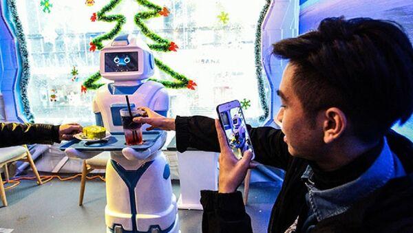 Robot bồi bàn Mortar - Sputnik Việt Nam