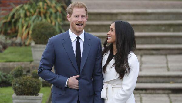 Hoàng tử Anh Harry và nữ diễn viên người Mỹ Meghan Markle - Sputnik Việt Nam