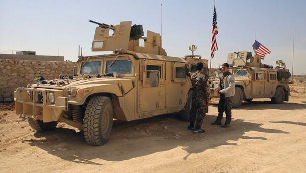 Сирийские и американские военные во время наступления на сирийский город Ракку - Sputnik Việt Nam