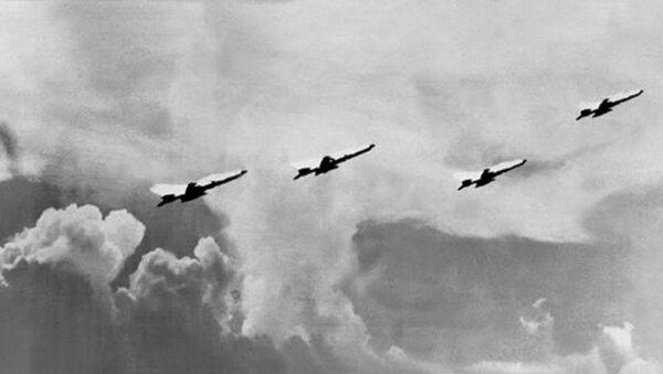 Máy bay của không quân Việt Nam xuất kích tiêu diệt máy bay Mỹ. - Sputnik Việt Nam