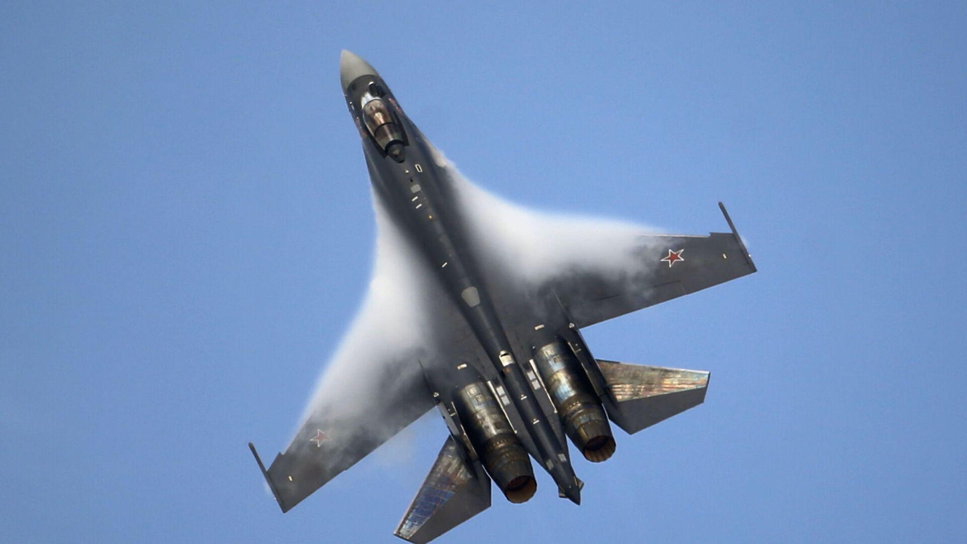 Máy bay chiến đấu Su-35 - Sputnik Việt Nam, 1920, 29.09.2021