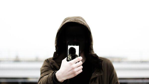 Mobile phone user - Sputnik Việt Nam