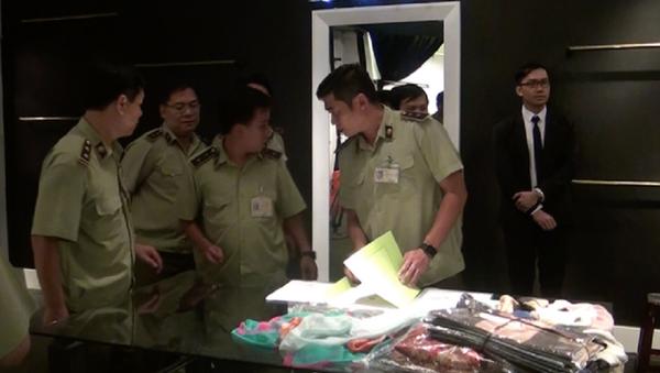 QLTT TP HCM kiểm tra cửa hàng Khaisilk tại TP HCM  - Sputnik Việt Nam