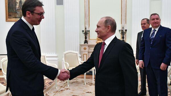 Tổng thống Serbia Aleksandar Vučić với Tổng thống Nga Vladimir Putin - Sputnik Việt Nam