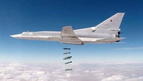 Máy bay ném bom hiện đại Tu-22M3 - Sputnik Việt Nam