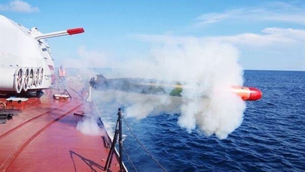 Tàu hộ vệ săn ngầm Petya II phóng ngư lôi SET-40UE - Sputnik Việt Nam