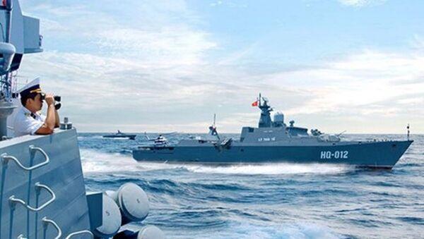 Hải quân Nhân dân Việt Nam diễn tập phòng thủ, sẵn sàng chiến đấu bảo vệ vững chắc độc lập chủ quyền, toàn vẹn lãnh thổ của Tổ quốc. - Sputnik Việt Nam