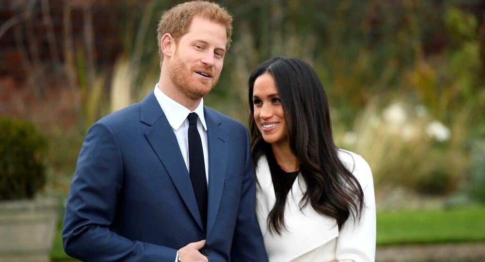 Hoàng tử Harry với Meghan Markle