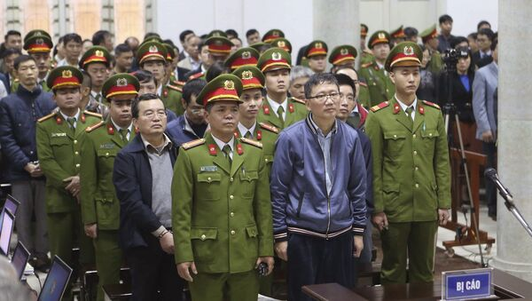 Bị cáo Trịnh Xuân Thanh tại tòa - Sputnik Việt Nam
