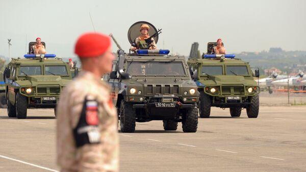 Diễu binh vinh danh Chiến thắng tại căn cứ không quân Hmeymim ở Syria  - Sputnik Việt Nam
