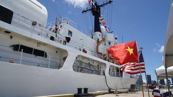 Tàu USCGC Morgenthau lớp Hamilton được chuyển giao cho Cảnh sát biển Việt Nam tại buổi lễ ở Hawaii sáng 25/5 - Sputnik Việt Nam