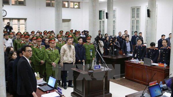 Quang cảnh phiên tòa xét xử Trịnh Xuân Thanh và đồng phạm sáng 10/1/2018. - Sputnik Việt Nam