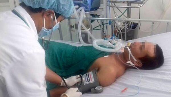 Anh H.M.A được cấp cứu tại bệnh viện - Sputnik Việt Nam