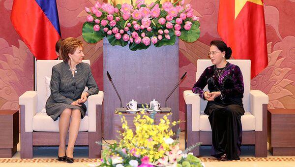 Phó Chủ tịch Hội đồng Liên bang Galina Karelova đã có buổi làm việc với Chủ tịch Quốc hội nước CHXHCN Việt Nam Nguyễn Thị Kim Ngân. - Sputnik Việt Nam