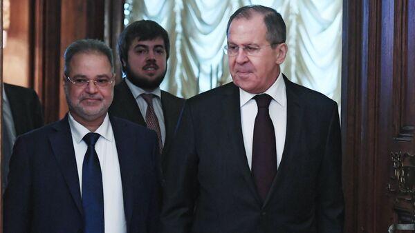 Ngoại trưởng Yemen Abdelmalik al-Mahlyafi với Ngoại trưởng Nga Sergei Lavrov - Sputnik Việt Nam