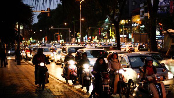 Dòng người tham gia giao thông ở Hà Nội, Việt Nam - Sputnik Việt Nam