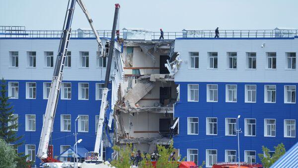 23 quân nhân thiệt mạng dưới đống đổ nát trong doanh trại ở Omsk - Sputnik Việt Nam