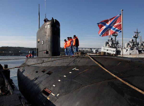 """Đón tàu ngầm diesel """"Krasnokamensk"""" lớp  """"Varshavyanka"""" tại Vladivostok - Sputnik Việt Nam"""